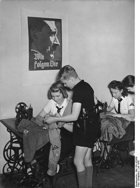 Syaften i Bund deutscher Mädel. En god forberedelse af pigerne til det fremtidige job som husmor.